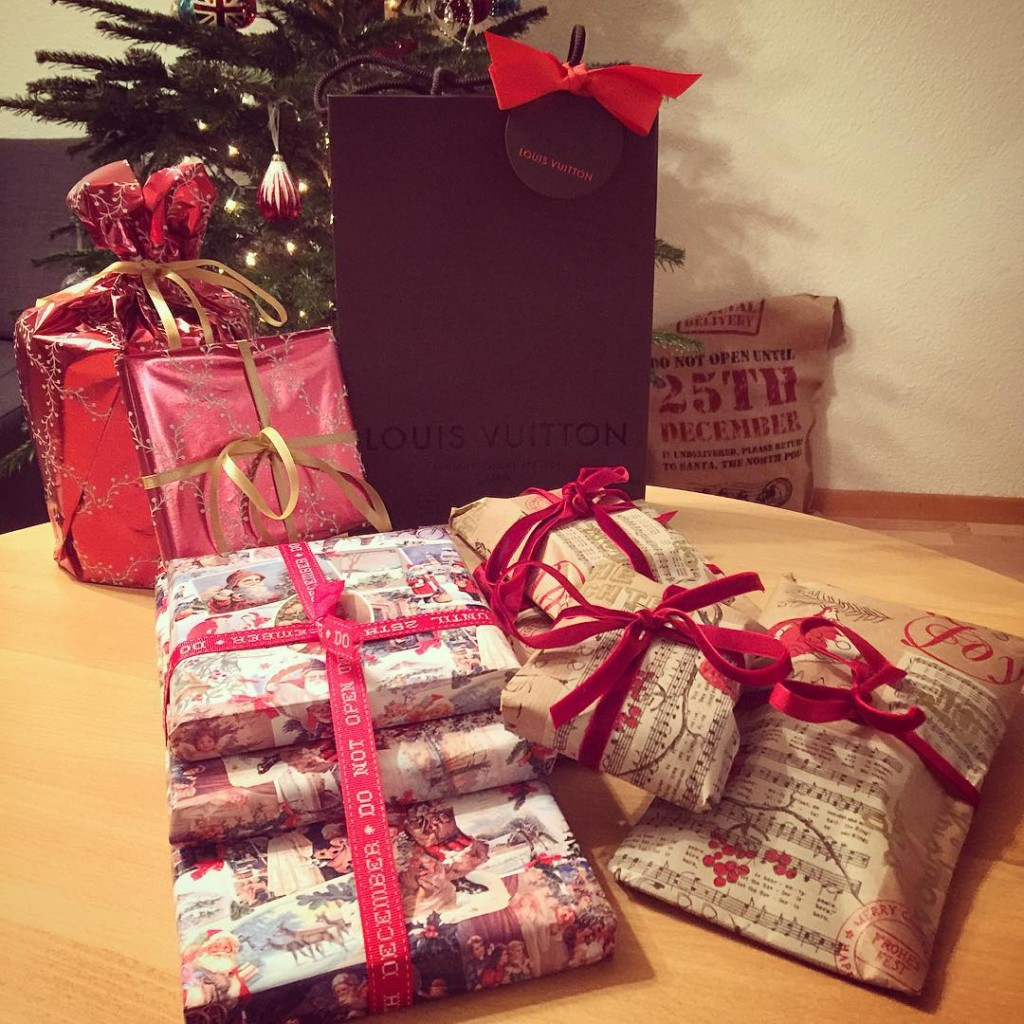Zoes presents sorted! love christmas presents gifts wrapped instagood christmasevehellip