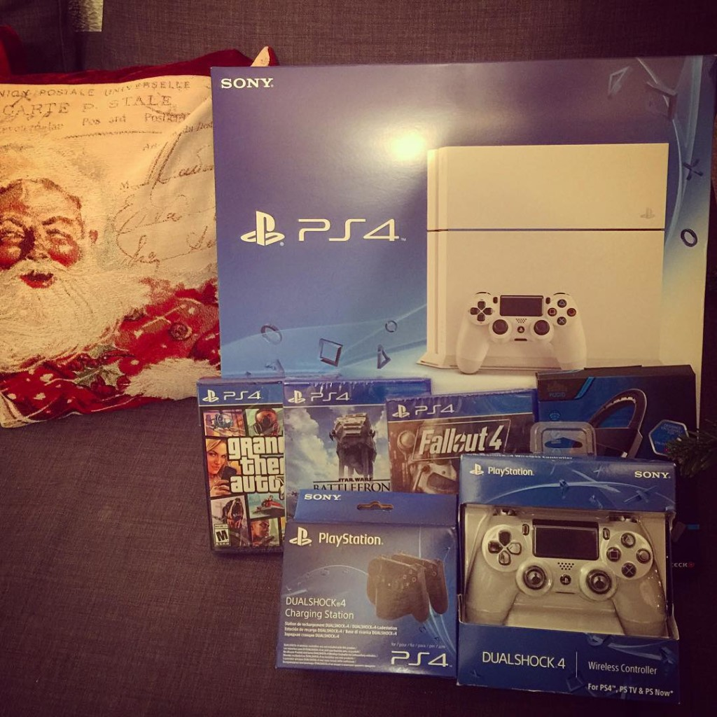 Merry Christmas me! ps4 playstation gta battlefront fallout4 christmas presenthellip